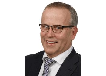 HET KEERPUNT VAN WIM HENDRIKS, EEN LOOPBAAN VAN 38 JAAR FINANCIEEL ADVISEUR BIJ DE RABOBANK